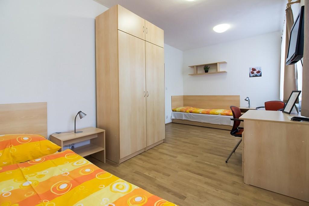 Twin-room-1024x683